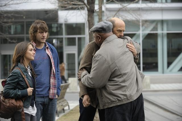 Addison Timlin, Scott Michael Foster, Charles Dutton, and Anthony Edwards in Zero Hour.