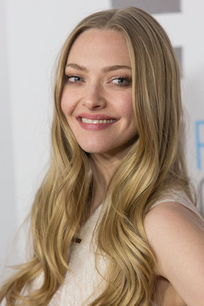 Amanda Seyfried wore her blond hair down.