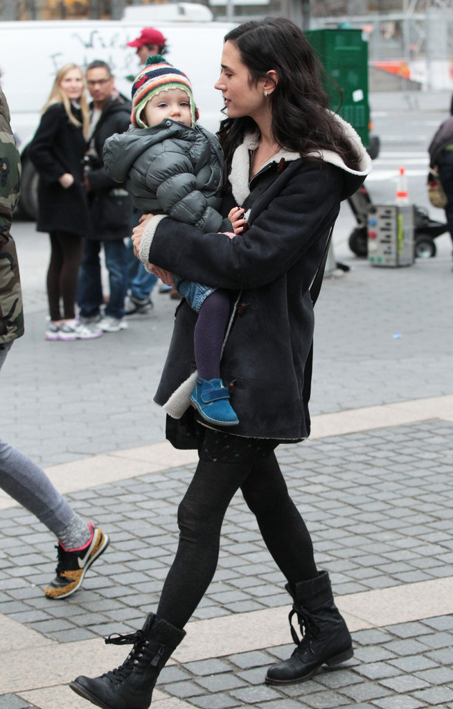 Jennifer Connelly picked up Agnes after filming a scene.