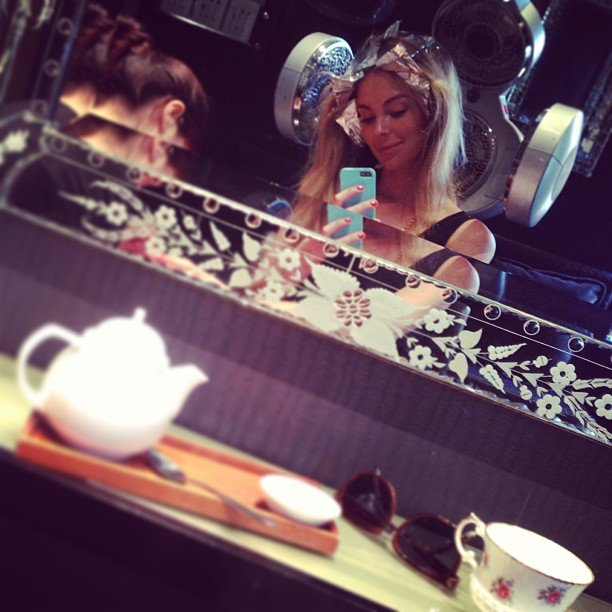 Jen Hawkins took a sneaky selfie while she got her hair done. Source: Instagram user jenhawkins_