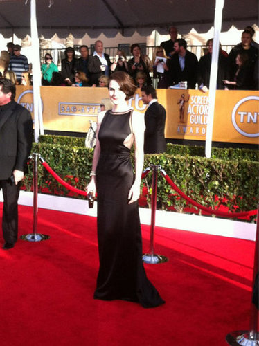 Michelle Dockery stunned in a cutout dress at the SAGs. Source: Twitter user TNTweknowdrama