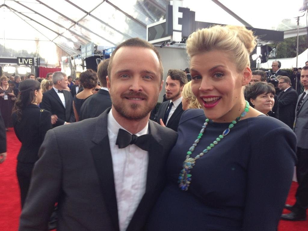 Busy Philipps snapped a photo with Aaron Paul at the SAGs. Source: Twitter user Busyphillips25