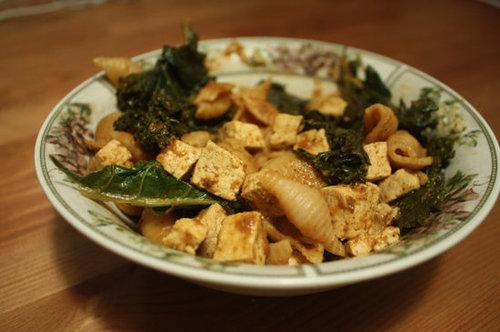 Curried Shells with Collard Greens & Tofu