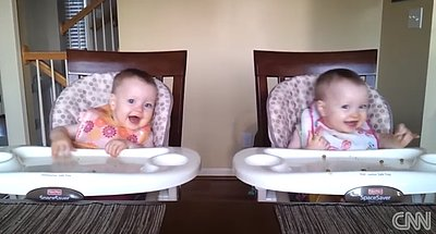 VIDEO: Ridiculously Cute Dancing Twins