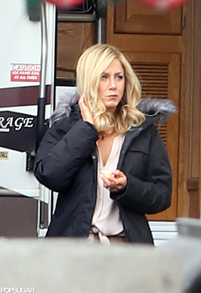 Jennifer Aniston wore a blonde wig.