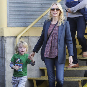 Naomi Watts and Sons at Brentwood Country Mart | Pictures