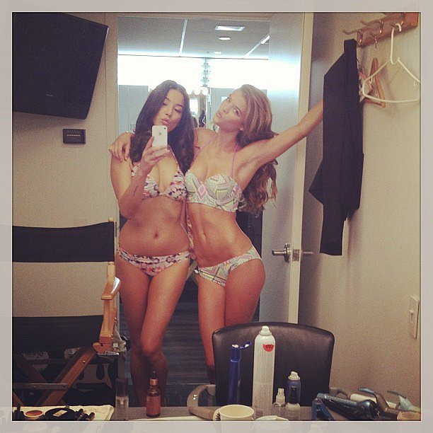 Jessica Gomes and Nina Agdal posed in bikinis. Source: Instagram user iamjessicagomes