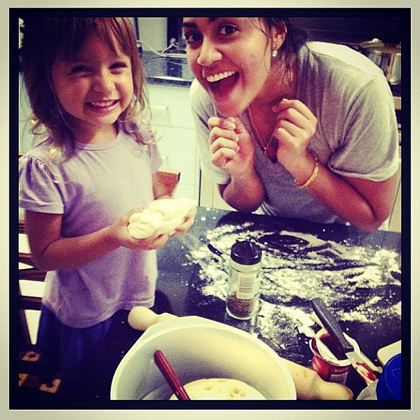 Jessica Mauboy made pizza with a young friend. Source: Instagram user jessicamauboy1