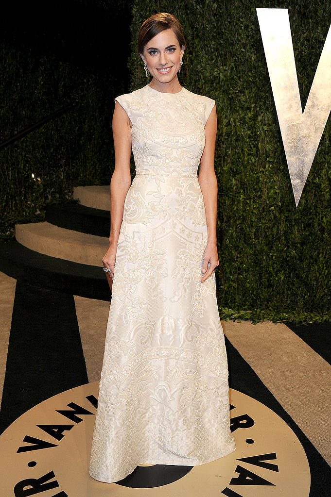 Allison Williams arrived at the Vanity Fair Oscar party on Sunday night.
