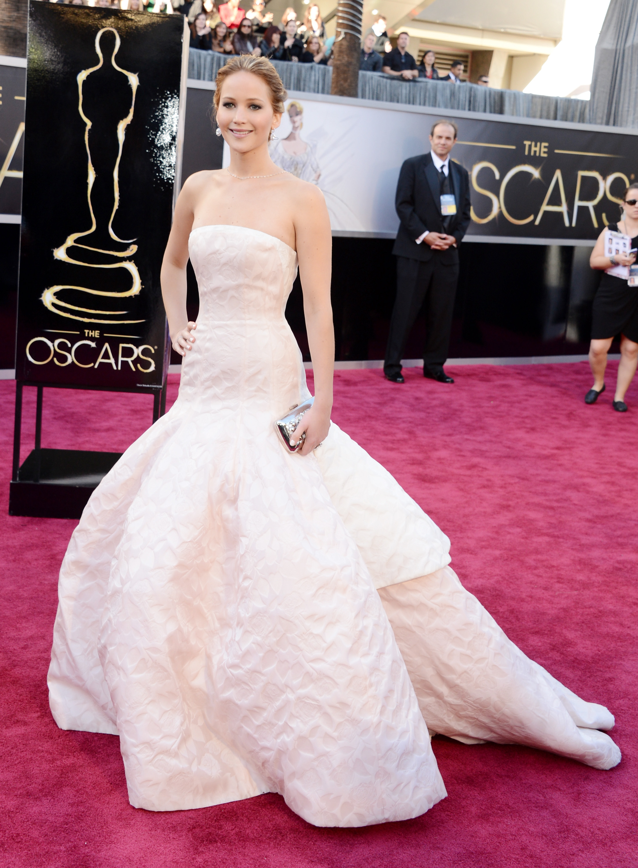 Jennifer Lawrence wore Dior on the red carpet at the Oscars 2013.