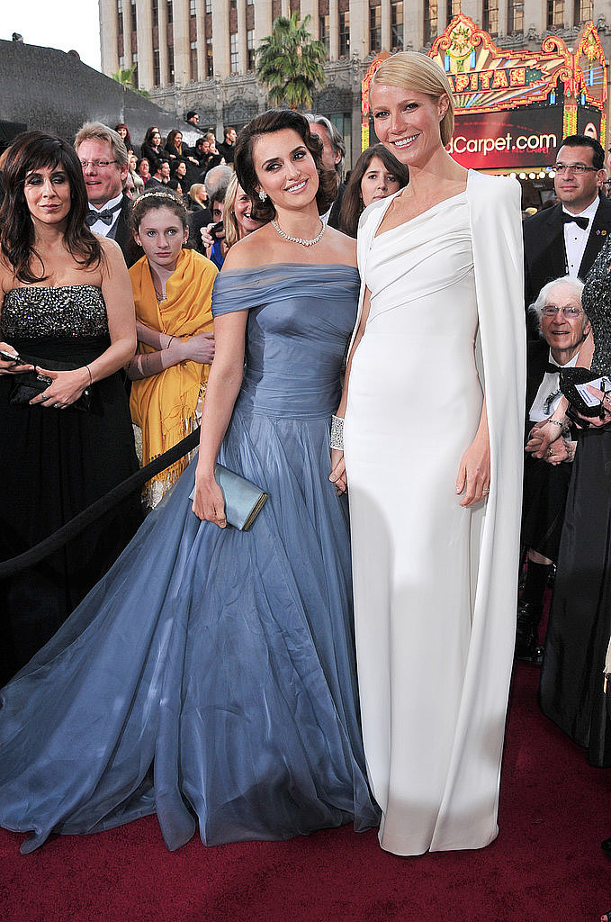 A Tom Ford-clad Gwyneth Paltrow linked up with Penélope Cruz on the red carpet at the Oscars in 2012.