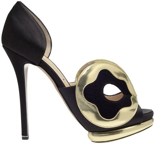 Nicholas Kirkwood Silk-satin d'orsay pumps with mask front