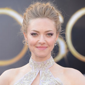Pictures of Amanda Seyfried at the 2013 Oscars