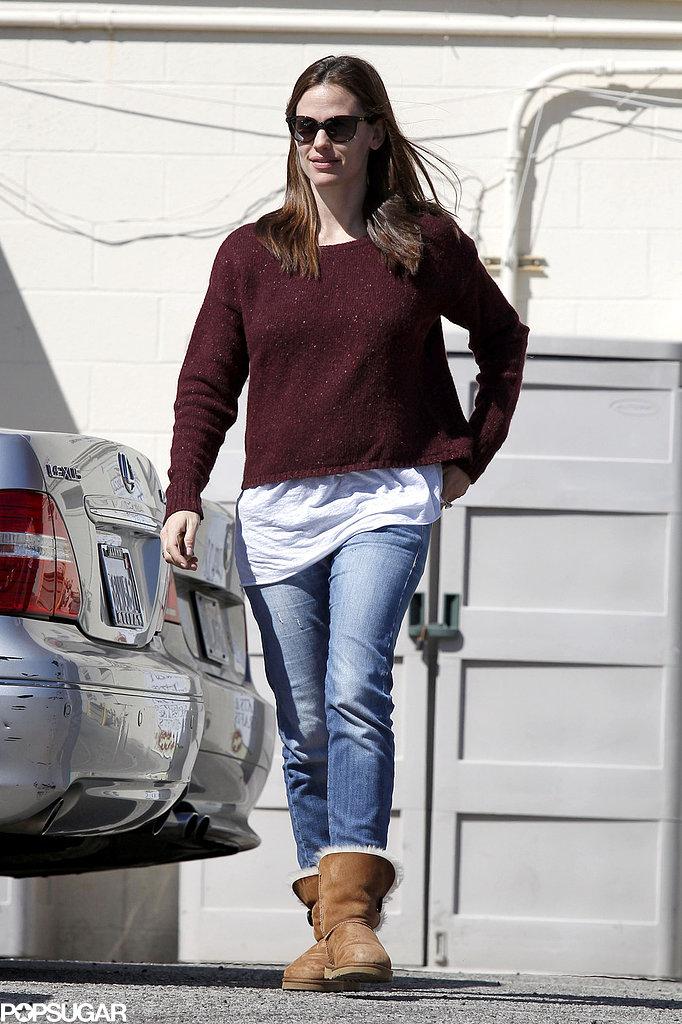 Jennifer Garner sported sunglasses on her way to lunch.