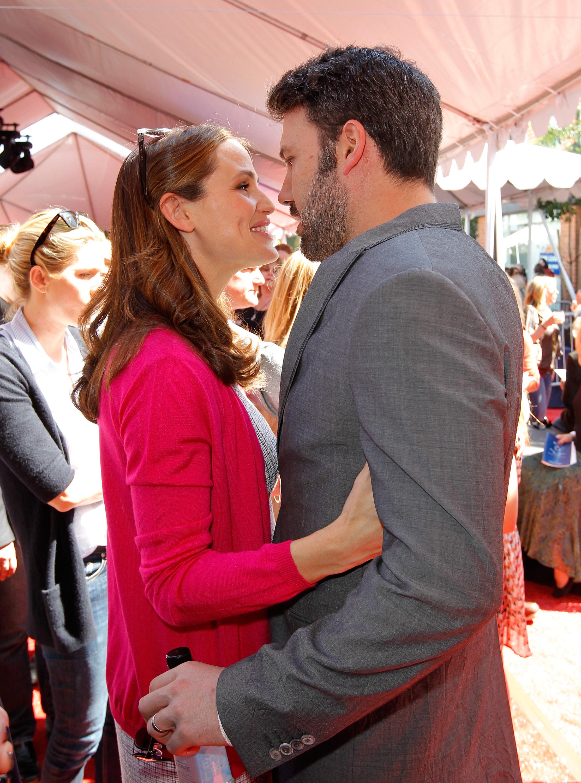Jennifer Garner and Ben Affleck kissed at the John Varvatos 10th annual Stuart House Benefit in LA.