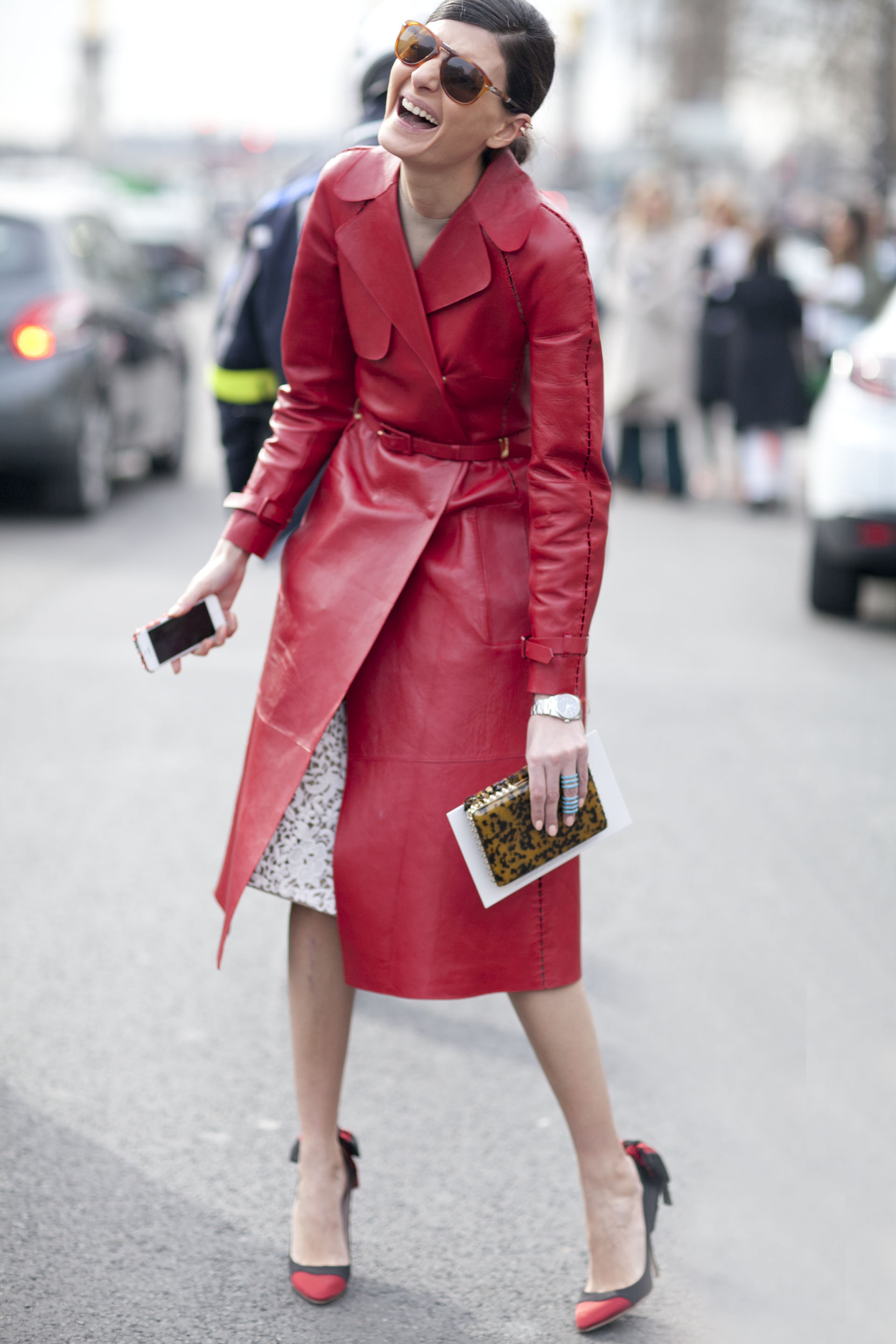Giovanna Battaglia Lit Up The Street Style Scene In A Brilliant Red Tr S Chic The Best Street