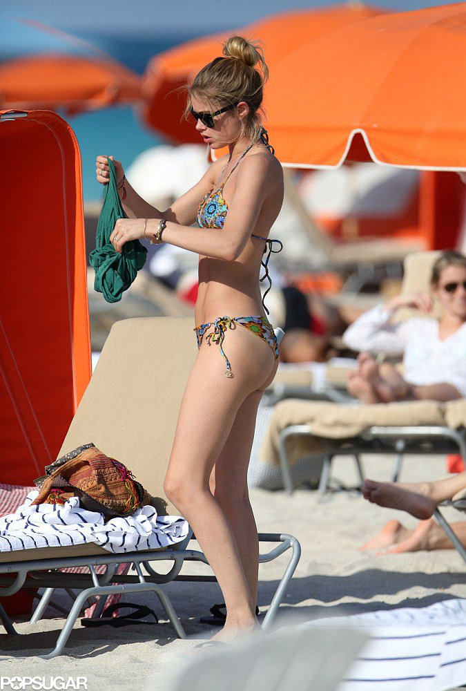 Doutzen Kroes donned a bikini for an Easter beach day in Miami.