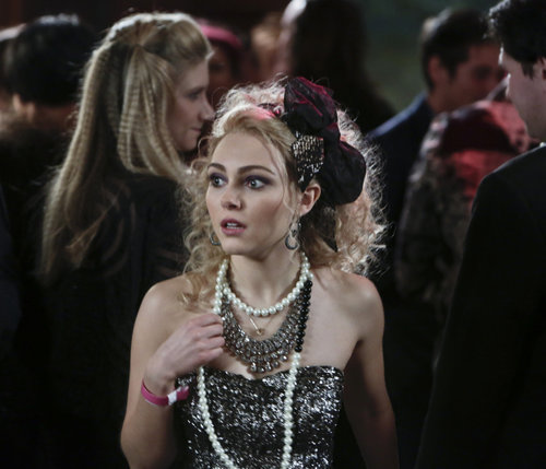 Carrie channeled her inner material girl in a strapless sequined confection, a bevy of statement necklaces, and an '80s-approved headband. Get in on the fun with this embellished Parker mini ($396) and a pair of basic pumps. Source: The CW