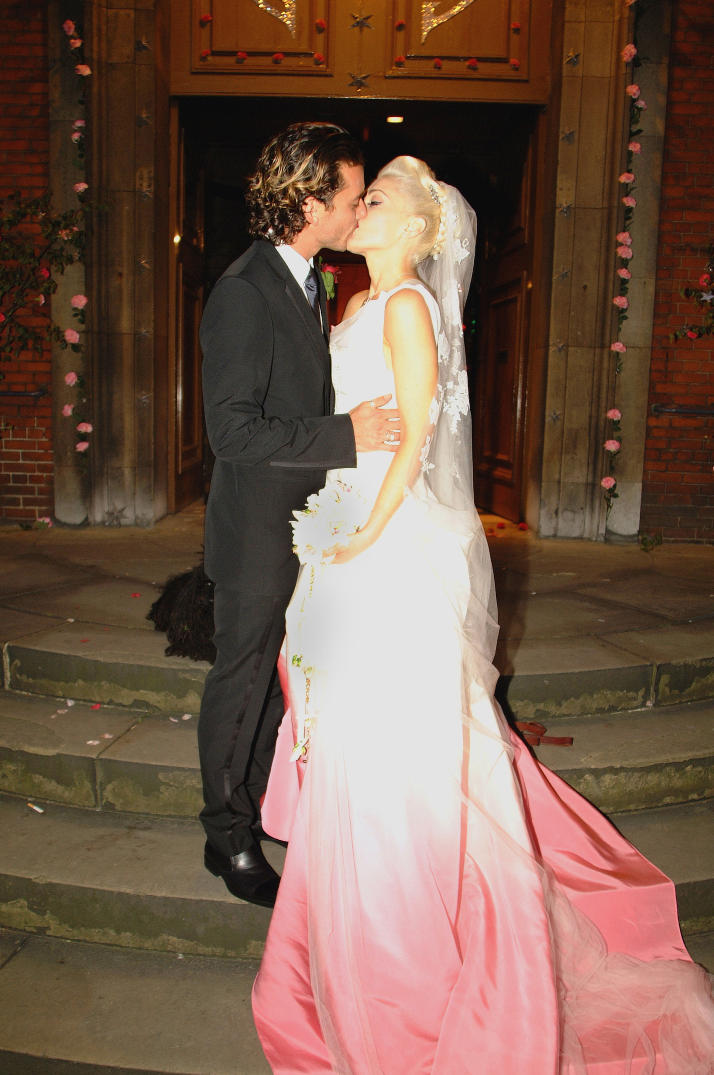 Gwen stefani 39 s john galliano gown the 100 most iconic for John galliano wedding dress