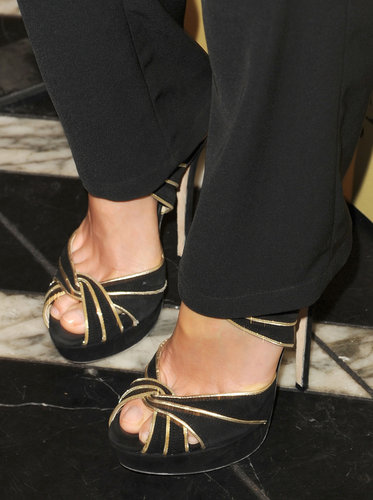 Distinguished detail: the metallic gold piping.