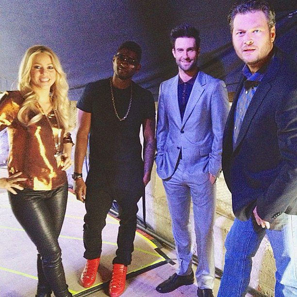 Usher, Shakira, Adam Levine, and Blake Shelton posed together on the set of The Voice. Source: Instagram user howuseeit