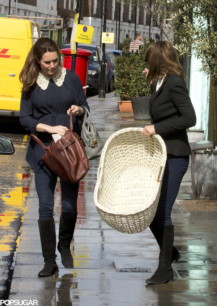 Pregnant Kate Middleton and her mom went shopping in London.