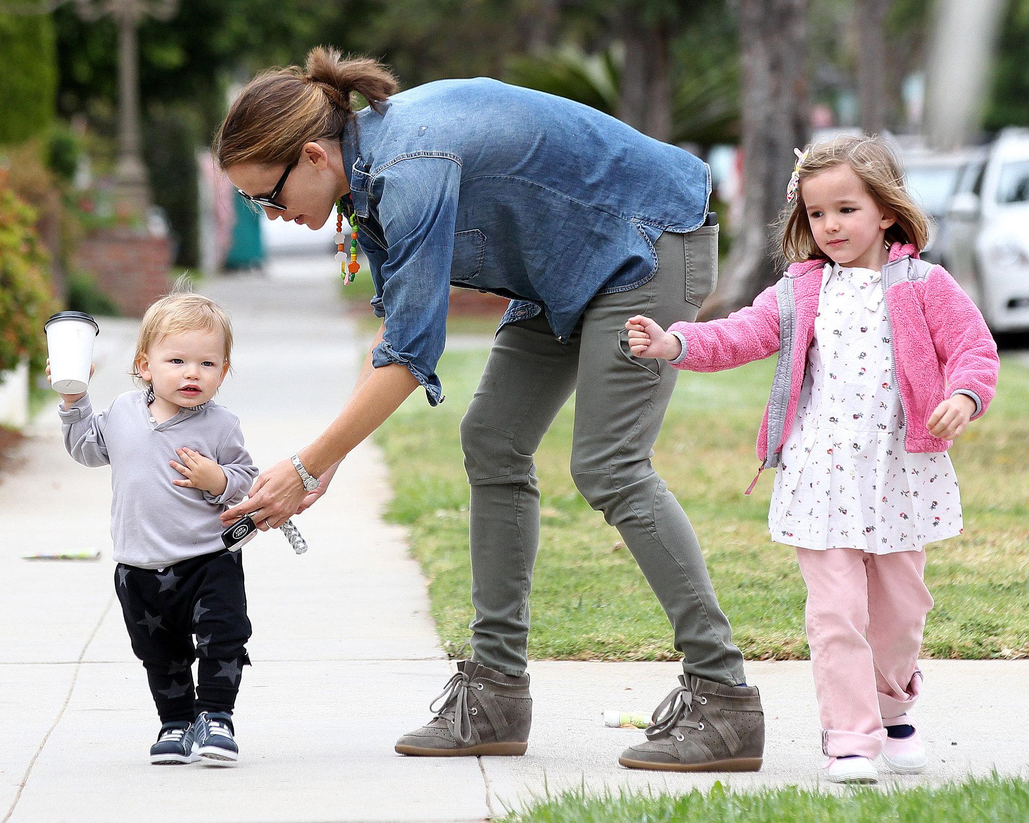 Jennifer Garner took her kids to lunch in Santa Monica  CA  as Samuel    Jennifer Garner Kids Samuel