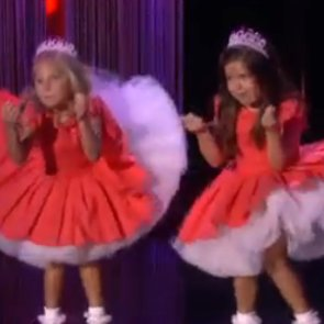 Sophia Grace and Rosie Perform Thrift Shop