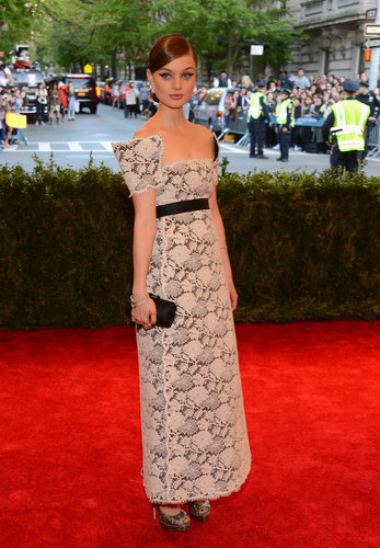 Bella Heathcote chose a square-neck Chanel cream lace embroidered dress and Chanel fine jewelry.