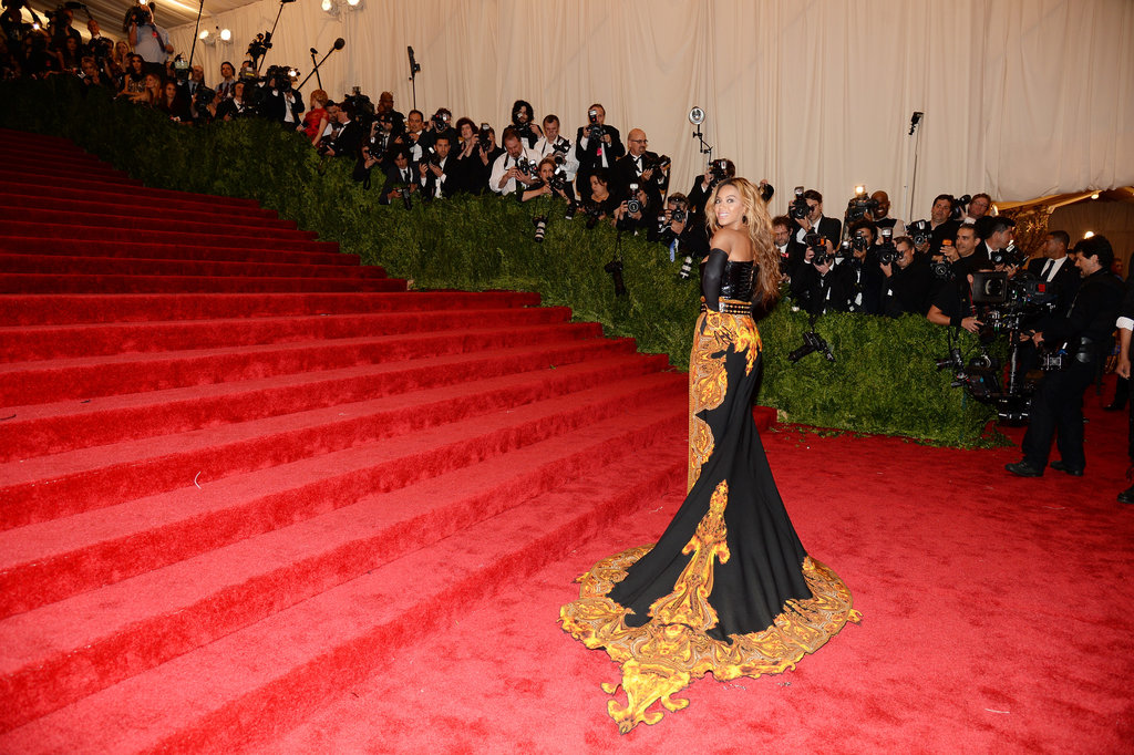 Beyoncé Knowles had a serious solo moment at the bottom of the grand staircase.