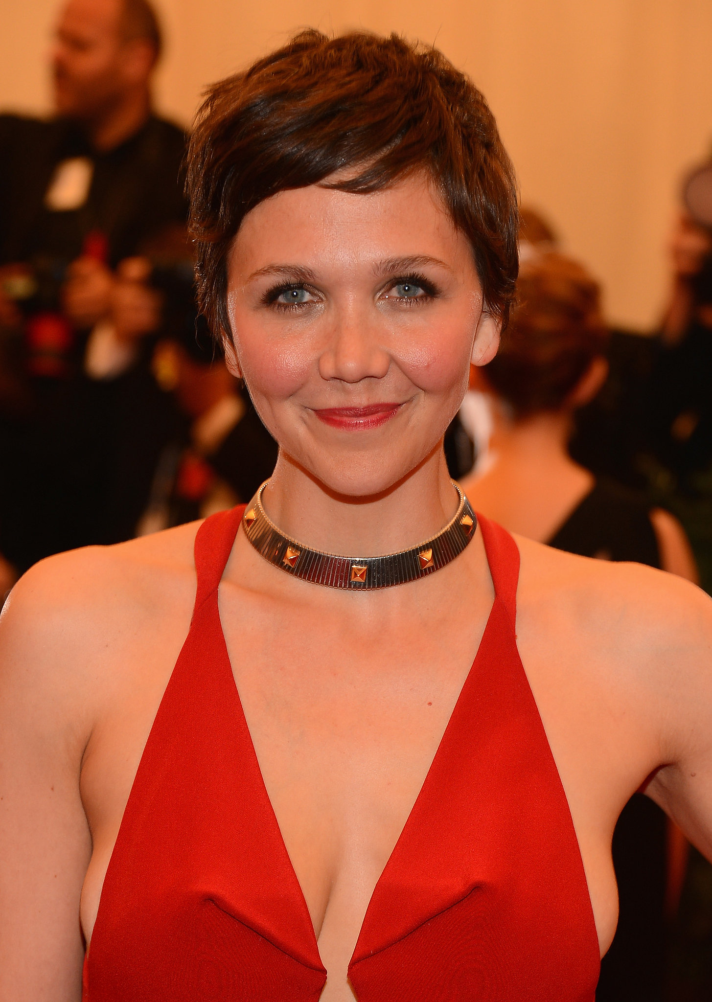 Maggie Gyllenhaal's plunging neckline was the perfect cut ... Maggie Gyllenhaal