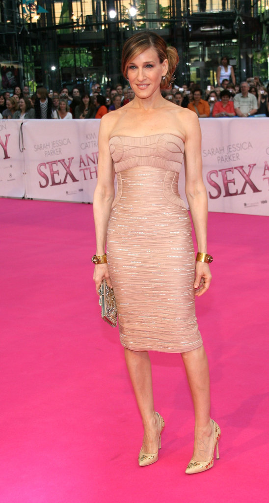 For the Berlin premiere of Sex and the City: The Movie, SJP chose a ruched Versace with a tightly structured bodice and shimmering details.
