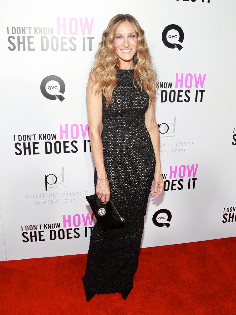 SJP oozed sophistication in a black body-con gown, au naturel curls, and a coordinating clutch in NYC.