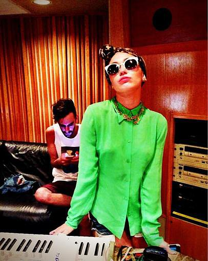 Miley Cyrus hit the recording studio. Source: Twitter user MileyCyrus
