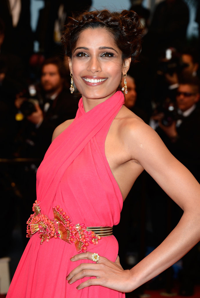 Freida Pinto was a vision in bright pink wearing a stunning Gucci gown. She wore a crown of braids on her head and kept her makeup simple but glowing. L'Oreal True Match Lumi Foundation was used to create a flawless base. Then, her eyes were given a bronzed smoky treatment with Colour Riche Eye Shadow Quad in Forever Bronze ($19.46); lips where enhanced with Infallible Le Rouge in Tender Berry. To get an all-over bronzed goddess look, Freida used L'Oreal Glam Bronse La Terra ($29.45).