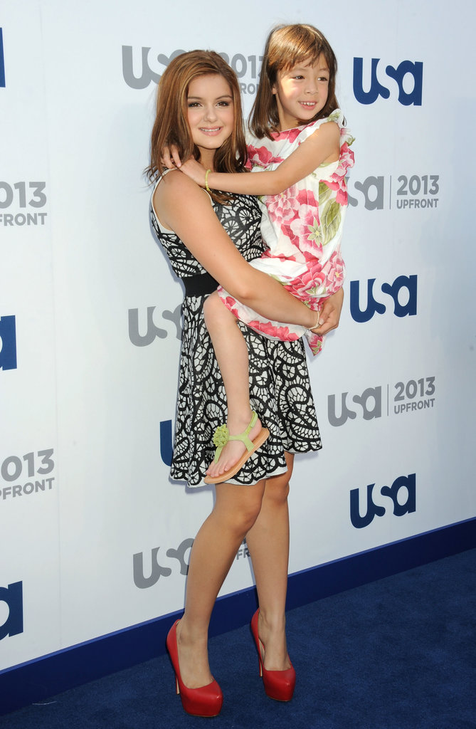 Ariel Winter held Aubrey Anderson-Emmons on the carpet.