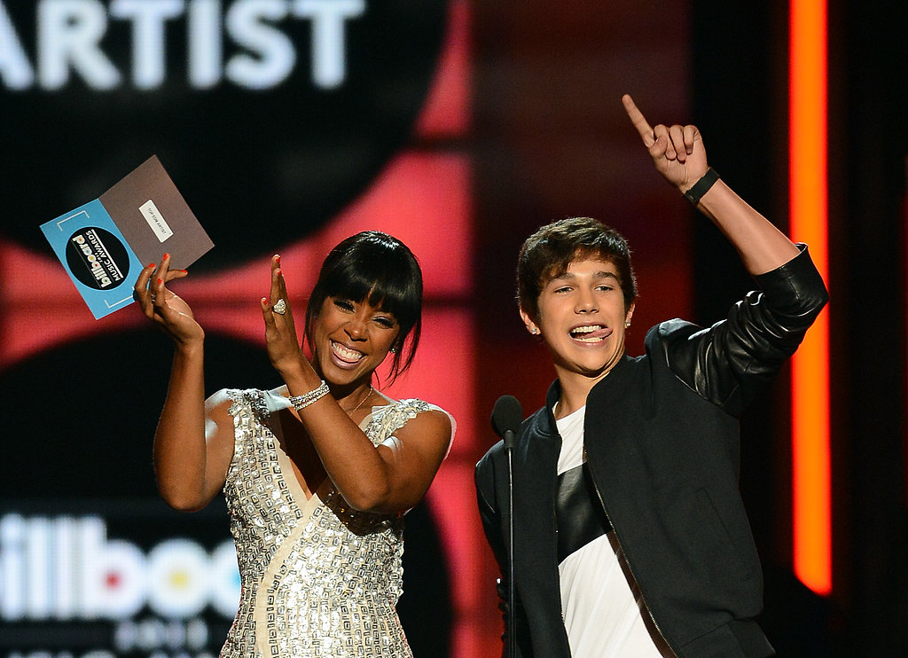 Kelly Rowland and Austin Mahone presented an award together.