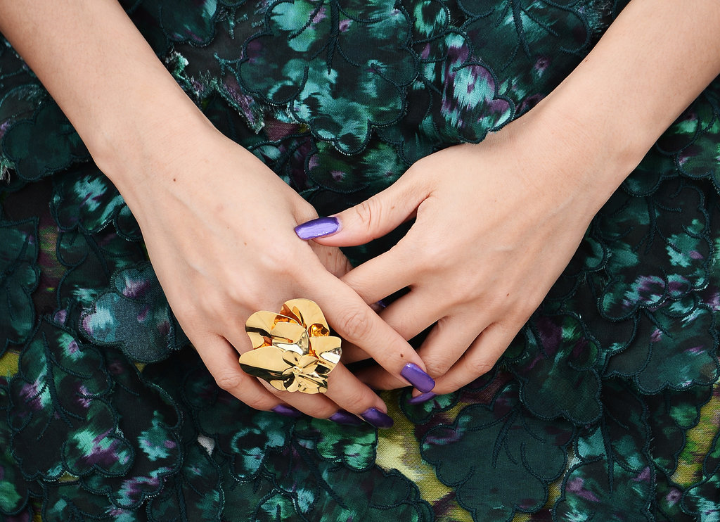 Zhang Ziyi wore an oversize gold-plated ring.