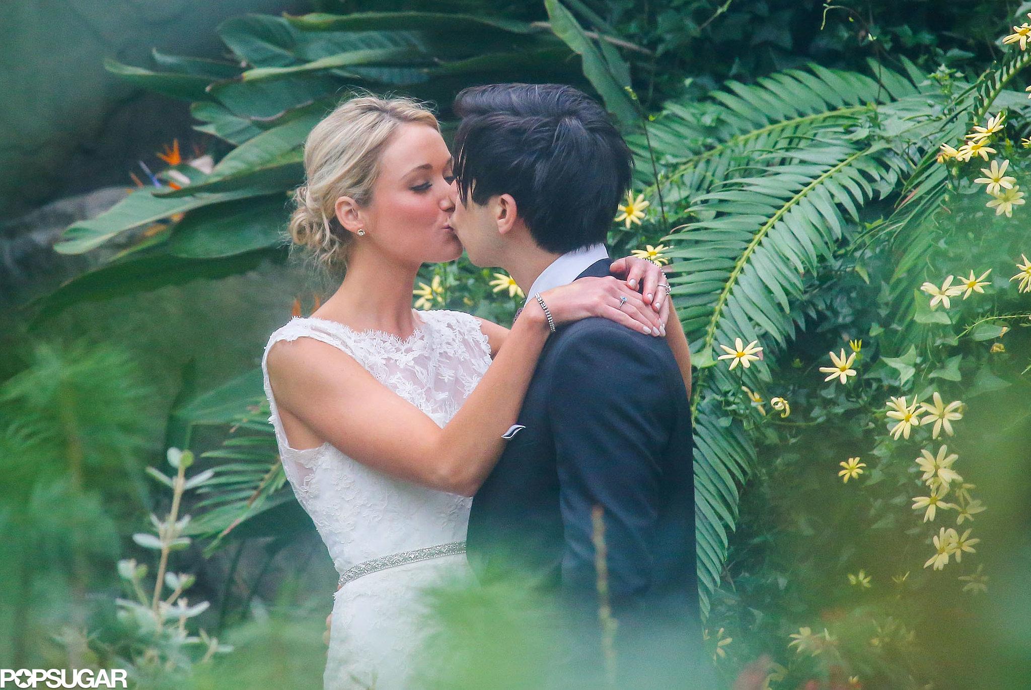 30 Rock's Katrina Bowden shared a wedding kiss with Ben Jorgensen.