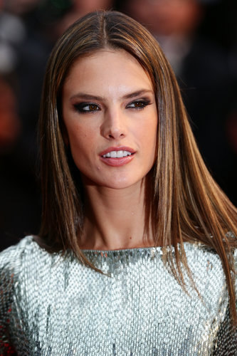 Alessandra Ambrosio styled her hair pin-straight for the All Is Lost red carpet, adding an edge with a brown smoky eye.