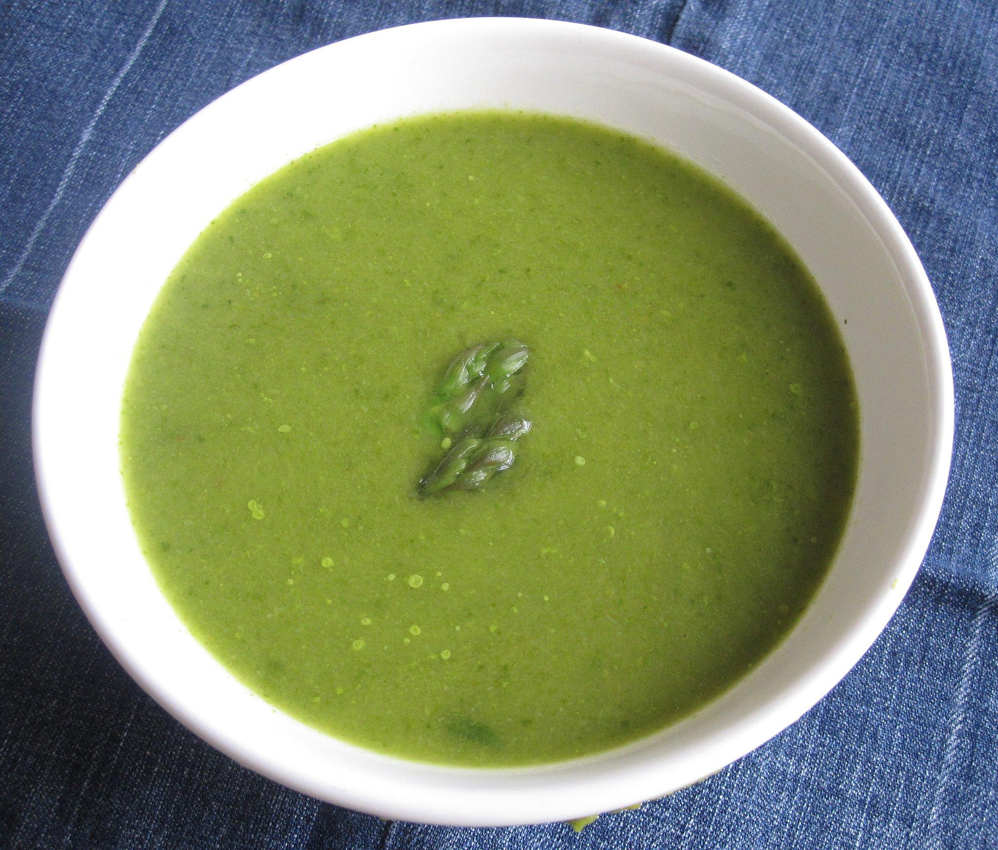 Soup Recipes Asparagus: Body Reset: 10 Low-Calorie Detox Soups