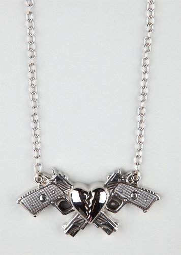 ROCK REBEL Heart & Guns Necklace