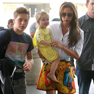 Victoria Beckham and Kids Fly Out of LAX   Pictures