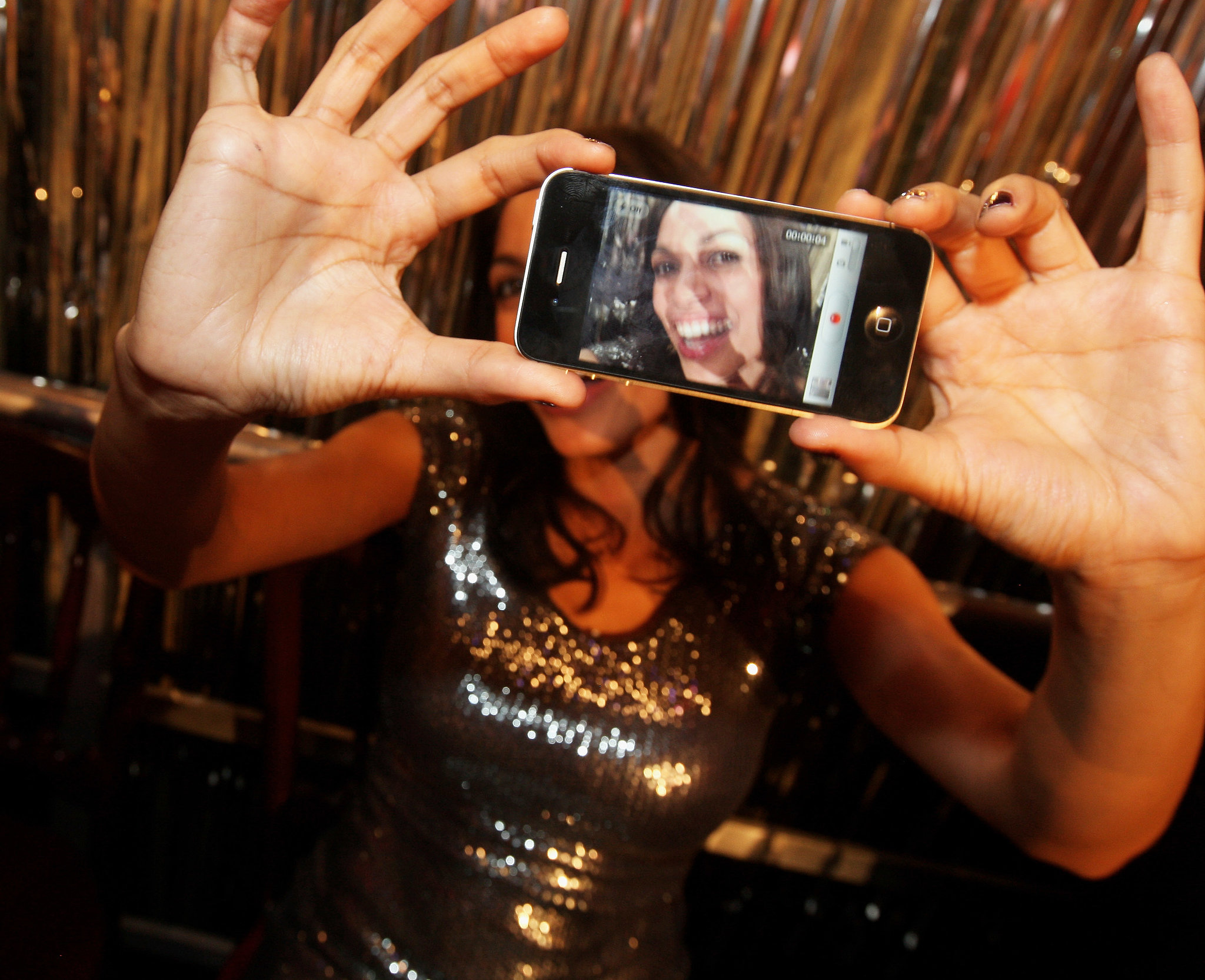 In January 2012, Rosario Dawson took a picture of herself before an event in Cologne, Germany.