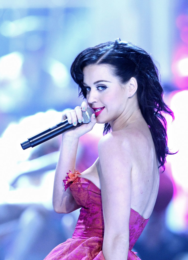 Katy Perry performed at the Guys Choice Awards in 2008 ...