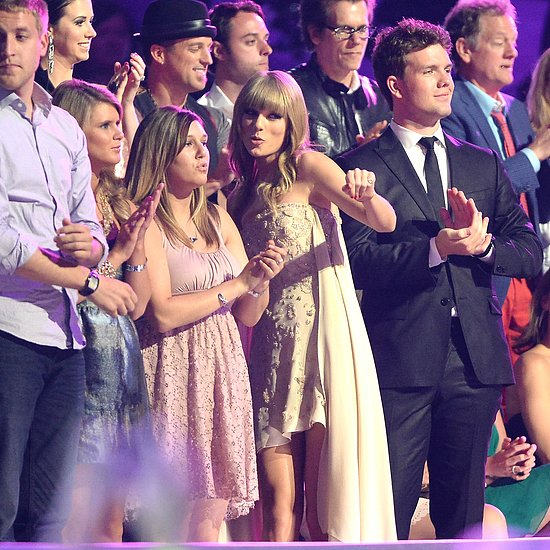 Taylor Swift Dancing at the CMT Music Awards | Video