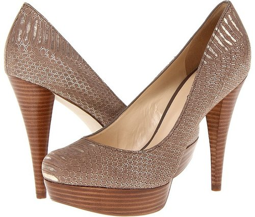 GUESS - Adrienas (Medium Brown Leather) - Footwear