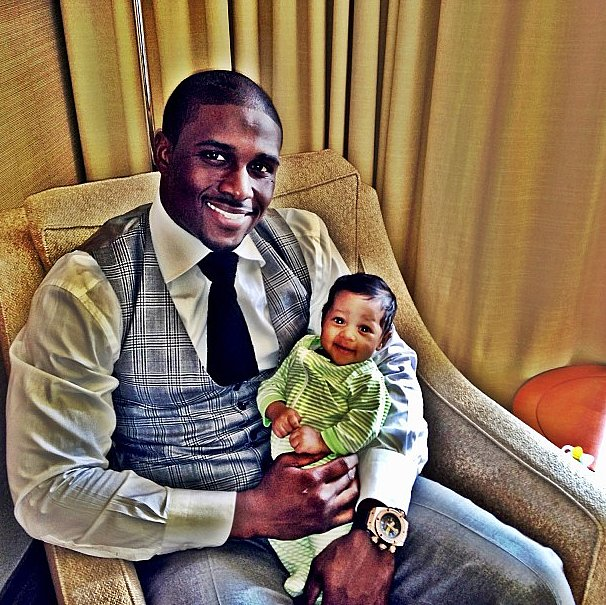 Reggie Bush was excited to celebrate his first Father's Day. Source: Instagram user reggiebush