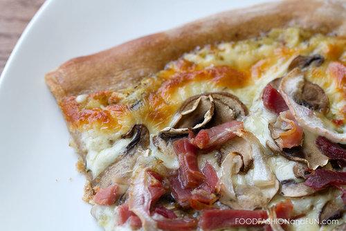 Mushroom Proscuitto Pizza