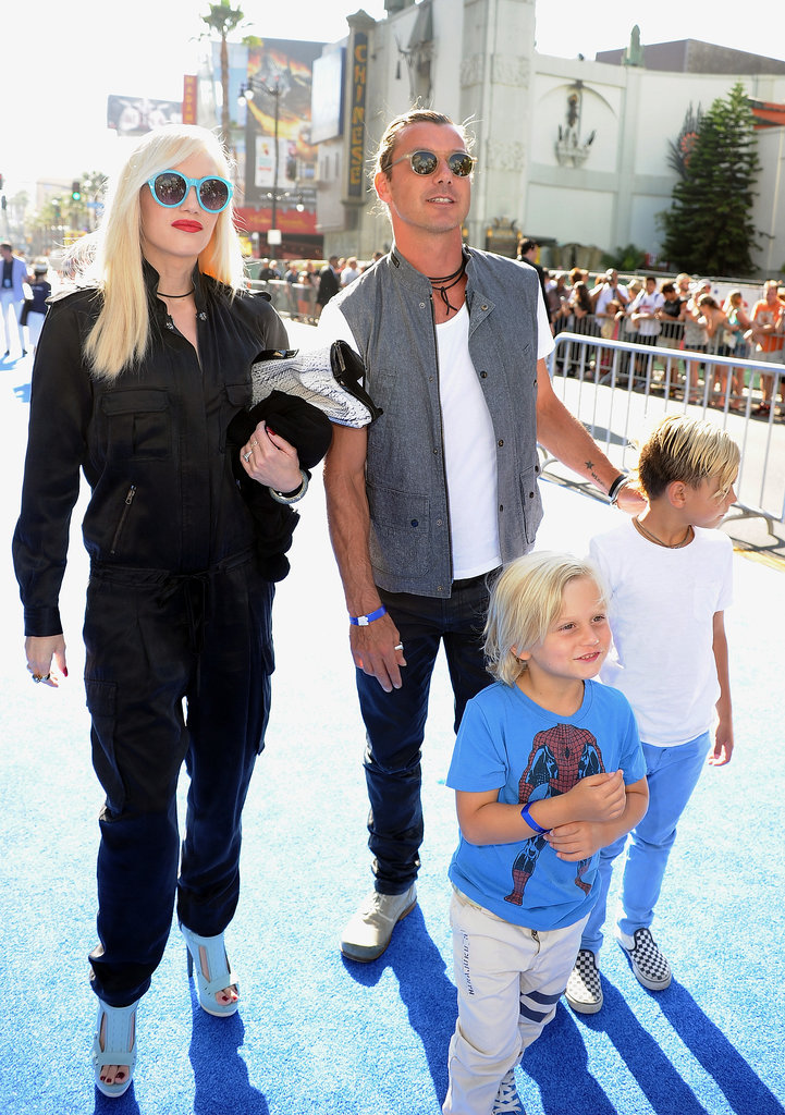 The Stefani-Rossdales made their way down the blue carpet.